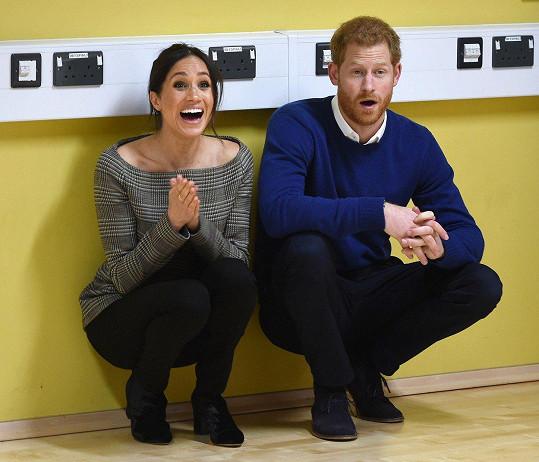 Meghan a Harry čekají první dítě.