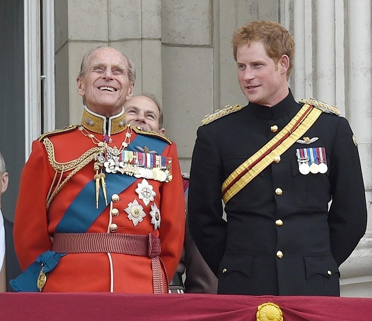 Na pohřeb prince Philipa dorazí.