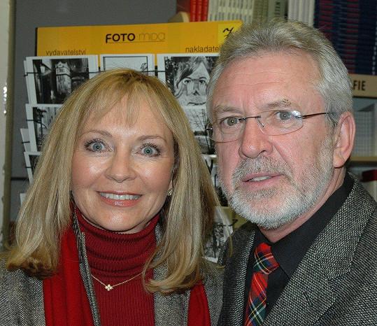 Jaromír Hanzlík s bývalou přítelkyní Danou (2004)