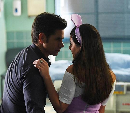 John a Lea spolu hrají v seriálu Scream Queens.