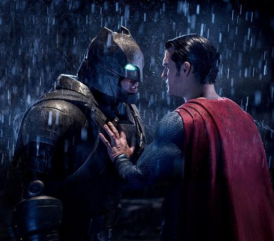 Šanci na Zlatou malinu mají Batman, Superman i oba hrdinové společně.