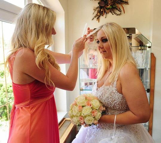 Vdávala se v roce 2009 a ve svatebních šatech jí byl opravdu kus.