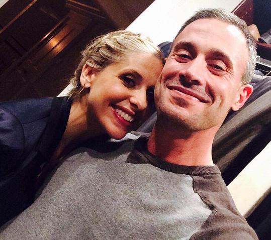 Herečka a její muž Freddie Prinze Jr. letos oslavili 15leté výročí svatby.