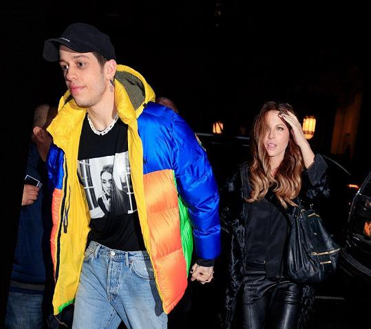 Kate Beckinsale potvrdila vztah s mladším Petem Davidsonem.