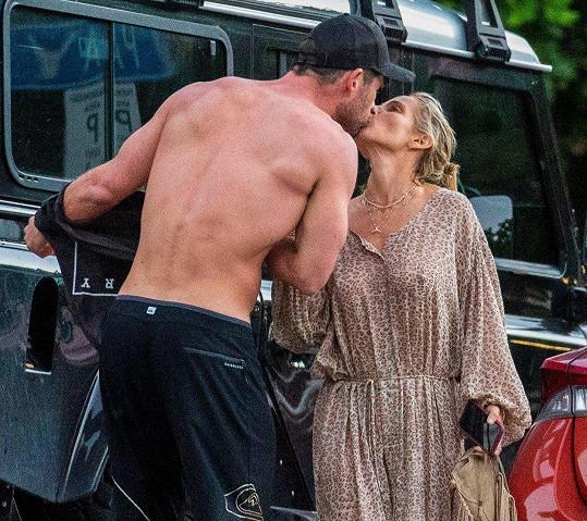 Chris Hemsworth si chce dát pauzu, aby se mohl více věnovat rodině.