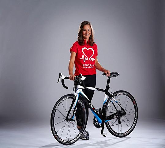 Pippa prostřednictvím závodu podporuje nadaci British Heart Foundation.