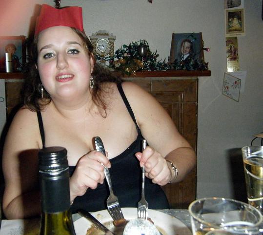 Roma Stapley se o Vánocích cpala jídlem.