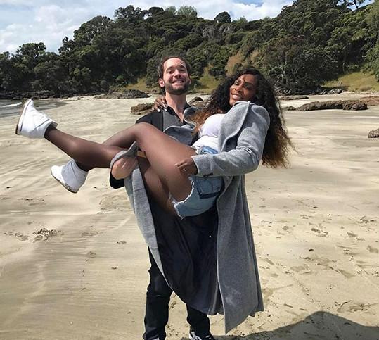 Serena se svým snoubencem Alexisem