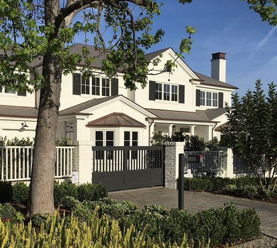Nový dům ho vyšel na 19,2 miliónu amerických dolarů.