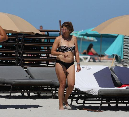 Manželka Rogera Federera relaxuje na plážích v Miami.