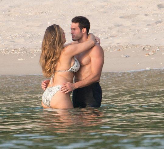Na dovolené si užívala přítomnost Jeremyho.