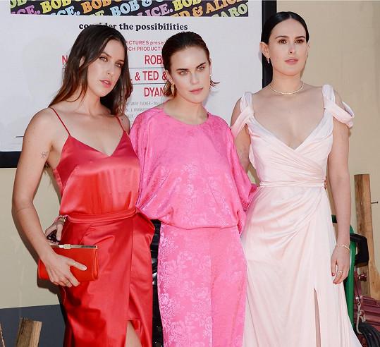 Hereččiny dcery (zleva) Scout, Tallulah a Rumer