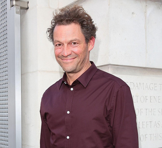 Charlese si zahraje Dominic West.