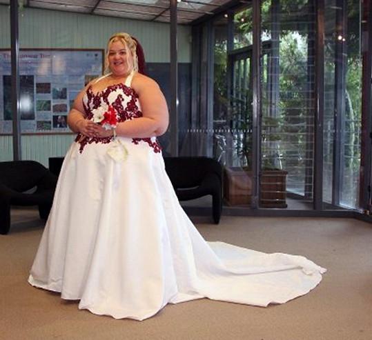 Amber Hart jako těžkotonážní nevěsta