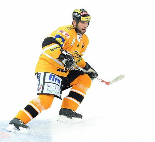 Hokej Šlégrovi oddělal záda.
