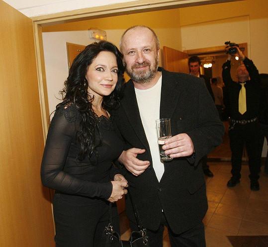 Láska Lucie Bílé a Petra Kratochvíla skončila po jeho nevěře s Lucčinou kamarádkou.