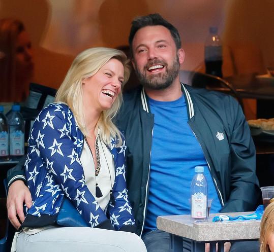 Vztah s televizní producentkou Lindsay Shookus mu nevyšel.