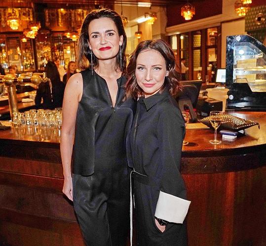 Pozvání přijala i moderátorka Daniela Písařovicová, která se s Veronikou Arichtevou spřátelila ve StarDance.