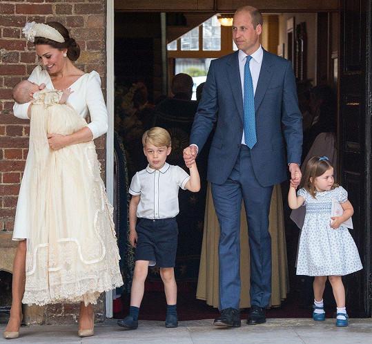 Královská rodinka má dnes důvod k oslavě.