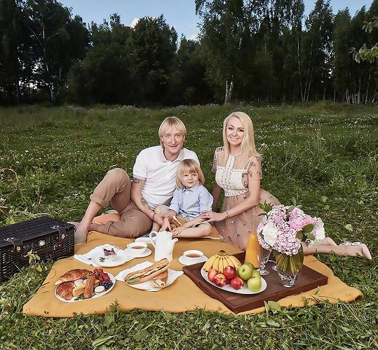 Jevgenij Pljuščenko a Jana Rudkovská se synem Sašou