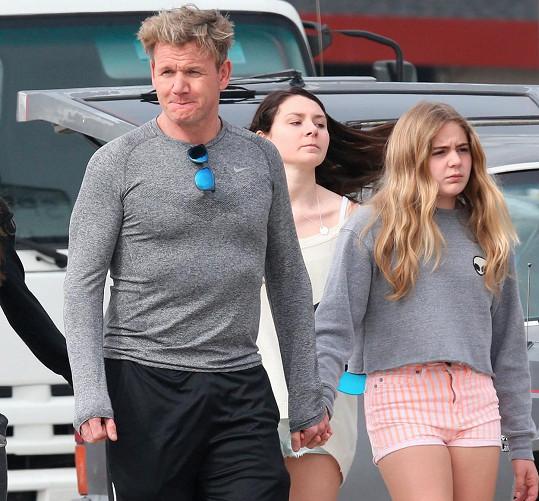Dcera Gordona Ramsayho je otci nápadně podobná.