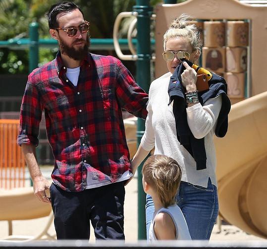 Nový partner herečky už se zná i s jejími syny, minimálně tedy s mladším Binghamem.