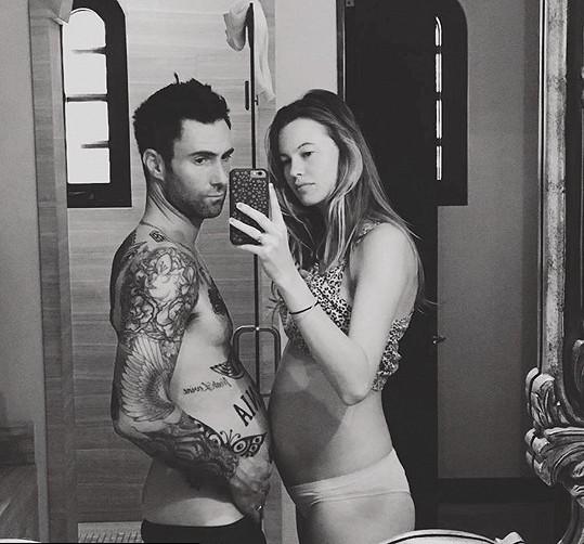 Adam Levine s Behati Prinsloo