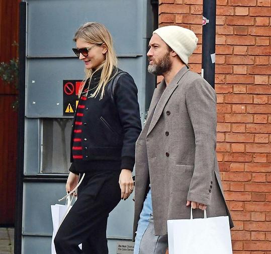 Herec Jude Law přivítá už šestého potomka, prvního s novou manželkou Phillipou Coan.