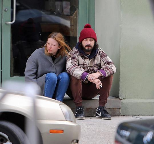 Mia a Shia občas vypadají jako dva bezdomovci.
