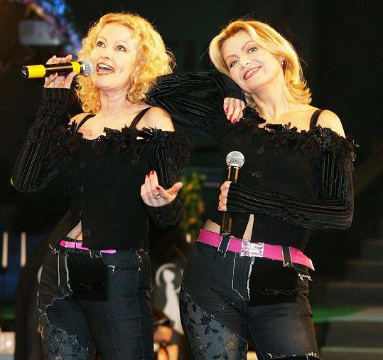 Slavné blondýnky spolu vystupují už neuvěřitelných 35 let.