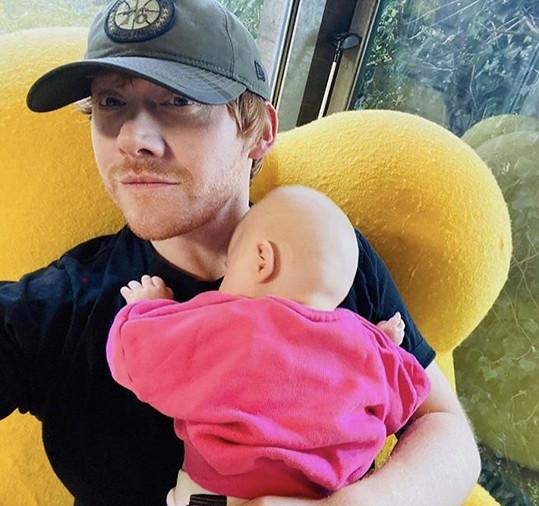 Rupert Grint s dcerkou Wednesday