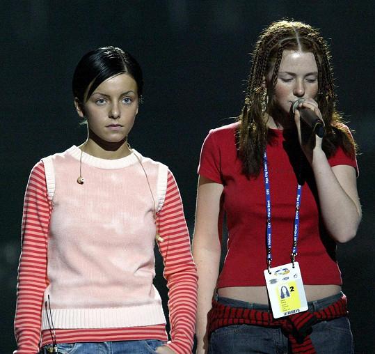 Julia a Lena jako duo Tatu v začátcích kariéry.