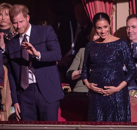 S manželem Harrym se těší na prvního potomka.