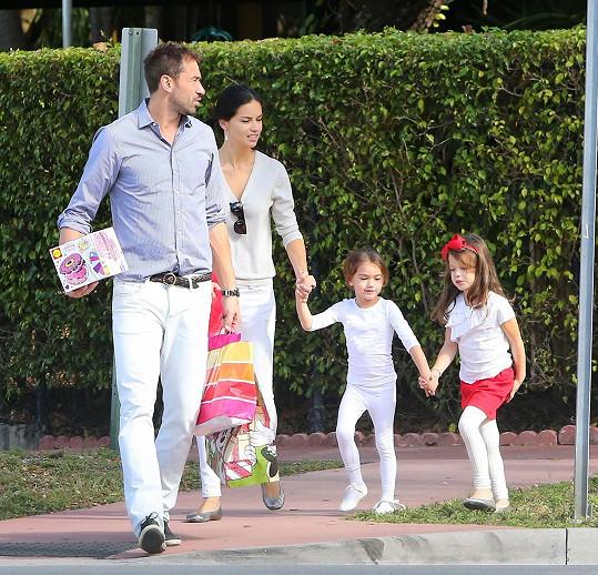 S exmanželem Markem Jaričem má sedmiletou dceru Valentinu a ještě čtyřletou Siennu.