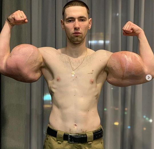 Kirill Tereshin se musel rozloučit se svými svaly.