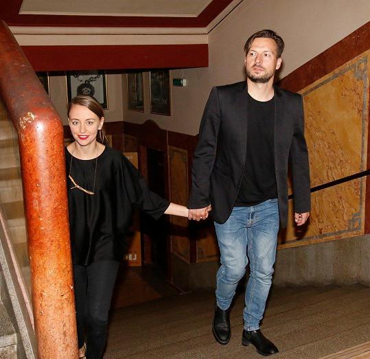 Exmanžel Táni Vilhelmové a Bereniky Kohoutové Pavel Čechák už tři měsíce chodí s Nikol Klevcovovou.