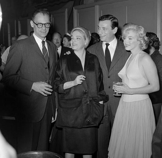 Na veřejnosti se oba manželské páry v roce 1960 tvářily více než harmonicky.