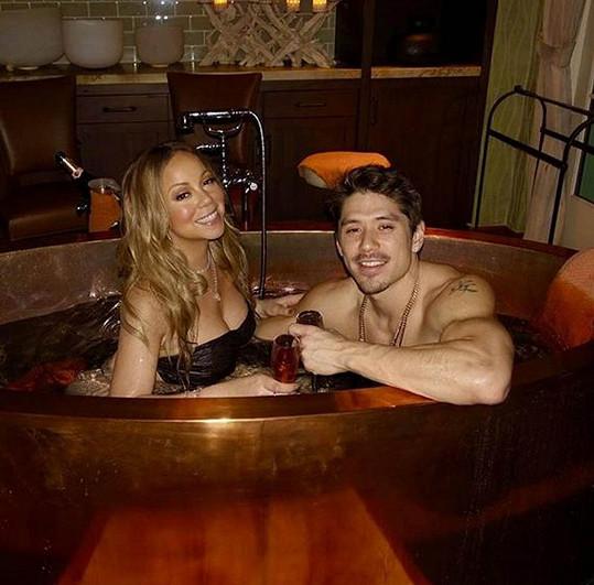 Letošní romantika podle Mariah Carey a Bryana Tanaky