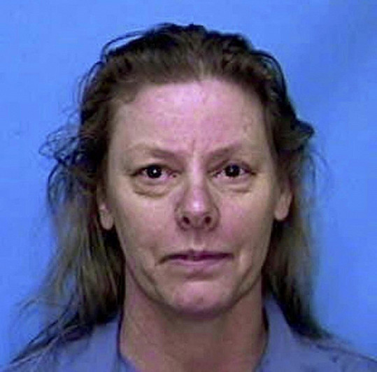 Aileen Wuornos zastřelila sedm mužů, o nichž uvedla, že ji znásilnili, nebo se o to pokusili. Porota ji z šesti činů shledala vinnou, žena dostala trest smrt.
