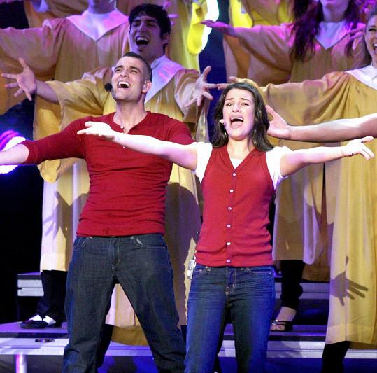 Mark Salling a Lea Michele v seriálu Glee