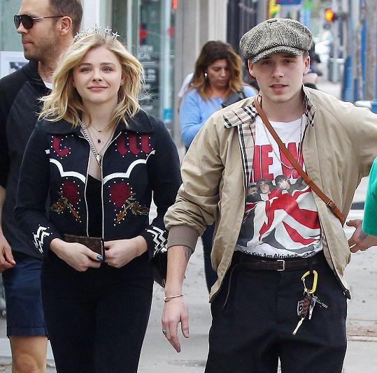 S Chloe Moretz chodil Brooklyn Beckham s přestávkami čtyři roky.