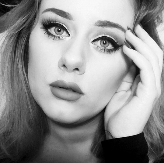 Toto není Adele, ale dvaadvacetiletá Ellinor Hellborg.
