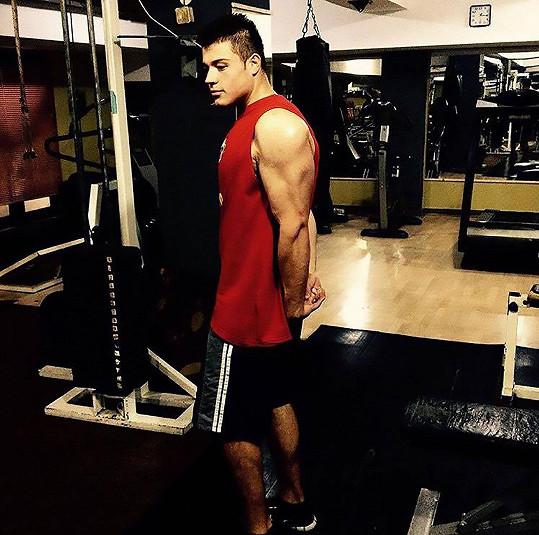 Ilija proměnil tuky ve svaly.