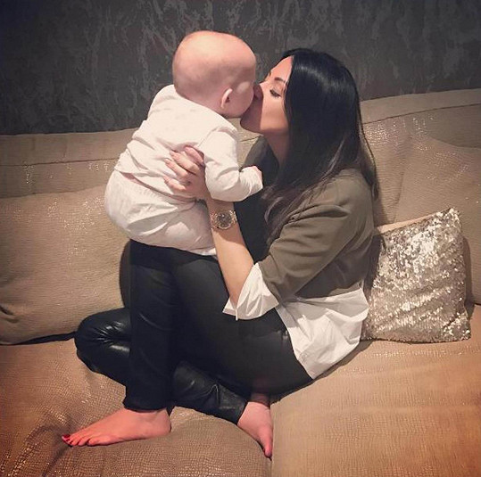 Někdejší herečka ze série TOWIE s dcerkou Penelope Blu