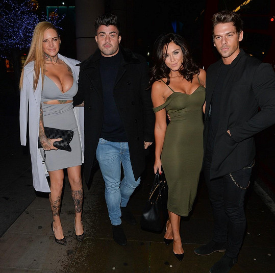 Jem doprovázel Rogan O´Connor, Vicky Joss Mooney