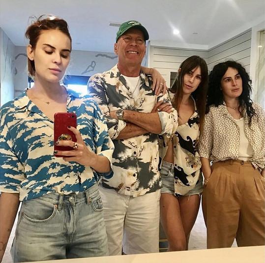 Zleva: Tallulah, Bruce, Scout a Rumer