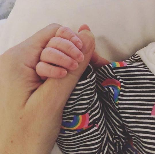 Radost z narození syna Maxe zpěvačka sdílela s fanoušky.