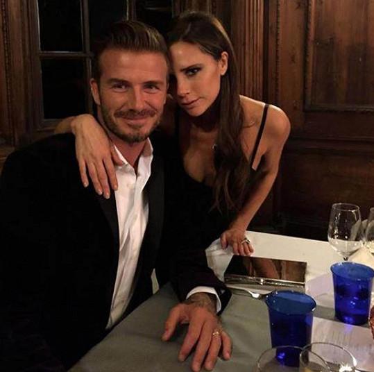 Beckhamovi jsou svoji 21 let.
