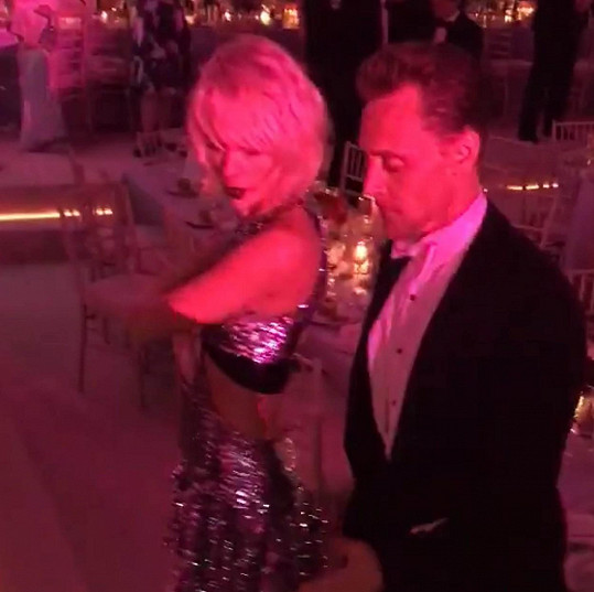 Taylor a Tom k sobě měli blízko už na květnovém MET Gala.