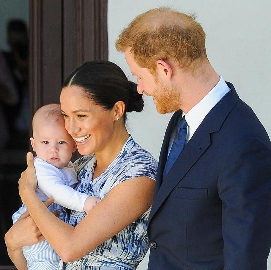 Meghan se synem Archiem už je zpátky v Kanadě.